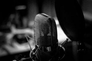 Micrófonos escondidos o cámaras ocultas