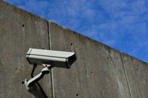 ¿Es legal poner cámaras ocultas en una empresa?